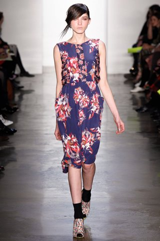 images/cast/10150533037592035=my job on fabrics x=suno Fall 2012 new york